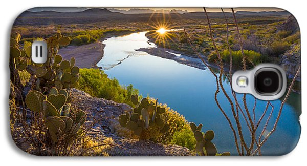 River Scenes Photographs Galaxy S4 Cases - The Big Bend Galaxy S4 Case by Inge Johnsson