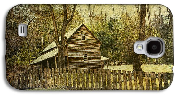 Log Cabin Photographs Galaxy S4 Cases - The Carter Shields Cabin in Cades Cove in the Smokey Mountains Galaxy S4 Case by Randall Nyhof
