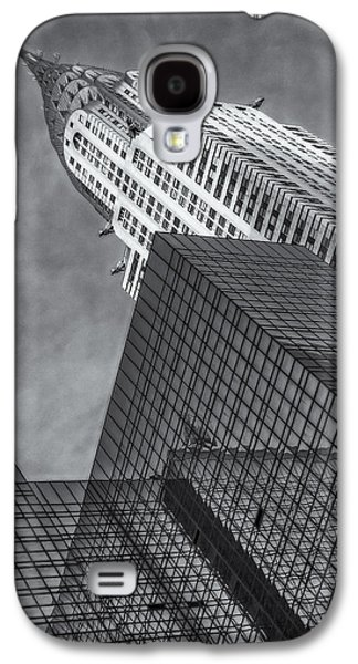 Landmarks Photographs Galaxy S4 Cases - The Chrysler Building BW Galaxy S4 Case by Susan Candelario
