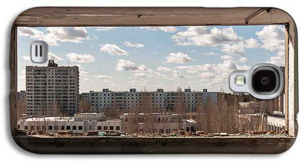 Torn Pyrography Galaxy S4 Cases - The ghost city of pripyat Galaxy S4 Case by Oliver Sved