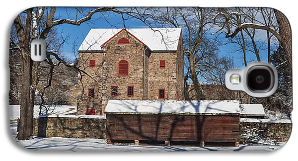 Highlands Digital Art Galaxy S4 Cases - The Highlands Barn in the Snow Galaxy S4 Case by Bill Cannon