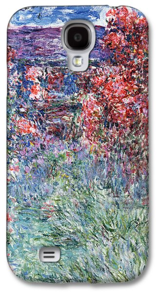 Pathway Paintings Galaxy S4 Cases - The House at Giverny under the Roses Galaxy S4 Case by Claude Monet