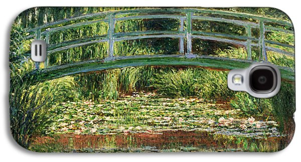 Claude Paintings Galaxy S4 Cases - The Japanese Footbridge and the Water Lily Pool Giverny Galaxy S4 Case by Claude Monet