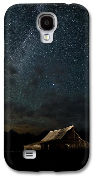 Background Photographs Galaxy S4 Cases - The milky way on Moulton Barn - Grand Teton National Park Galaxy S4 Case by Andres Leon