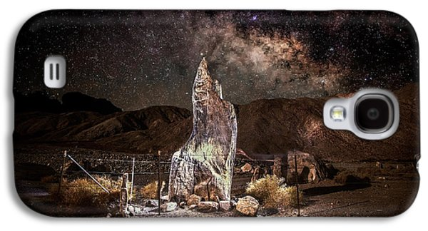 Dry Lake Galaxy S4 Cases - The Monolith - Protect at all Cost Galaxy S4 Case by Peter Tellone
