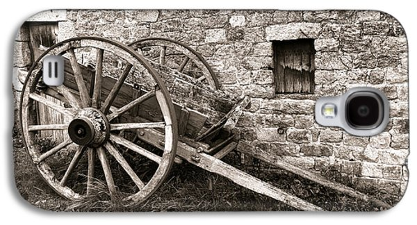 Wagon Photographs Galaxy S4 Cases - The Old Cart Galaxy S4 Case by Olivier Le Queinec