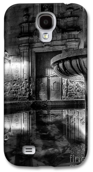 Secret Whispers Photographs Galaxy S4 Cases - The Reflection Of Fountain Galaxy S4 Case by Erhan OZBIYIK