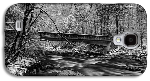 White River Scene Photographs Galaxy S4 Cases - The Seasons Promise Galaxy S4 Case by Michael Eingle