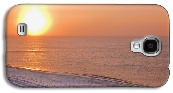 Reflections Of Sky In Water Galaxy S4 Cases - The Setting Sun Shining Through Galaxy S4 Case by Kevin Smith