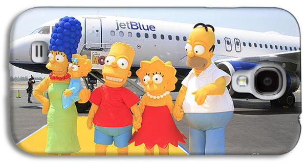Animation Galaxy S4 Cases - The Simpsons are ready to board their plane Galaxy S4 Case by Nina Prommer