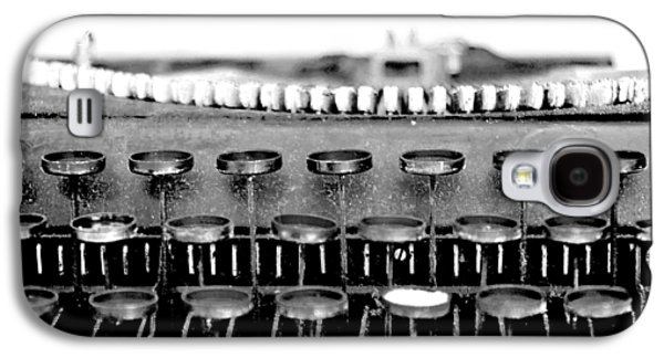 Typewriter Keys Photographs Galaxy S4 Cases - The Story Told BW Galaxy S4 Case by Angelina Vick