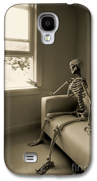 Macabre Galaxy S4 Cases - The Wait Galaxy S4 Case by Diane Diederich