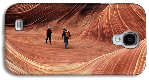 Landscapes Photographs Galaxy S4 Cases - The Wave In The Zone Galaxy S4 Case by Bob Christopher