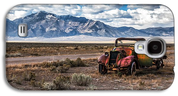 Haybale Photographs Galaxy S4 Cases - This Old Truck Galaxy S4 Case by Robert Bales