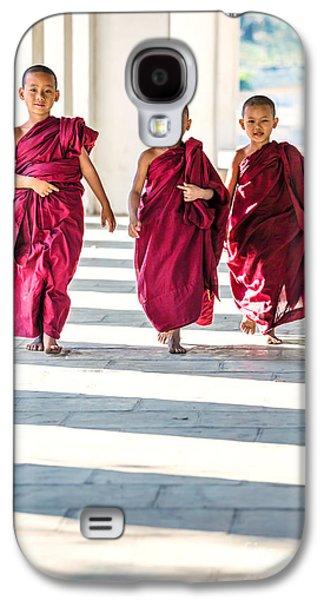 Buddhist Monk Galaxy S4 Cases - Three novice monks walking - Myanmar Galaxy S4 Case by Matteo Colombo