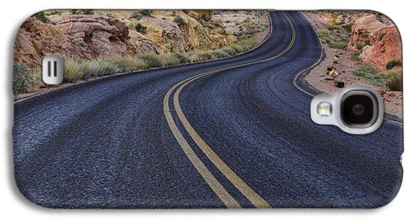 Scenic Drive Galaxy S4 Cases - Through The Desert Galaxy S4 Case by Rick Berk