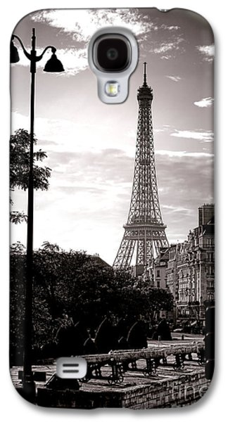 Streetlight Photographs Galaxy S4 Cases - Timeless Eiffel Tower Galaxy S4 Case by Olivier Le Queinec