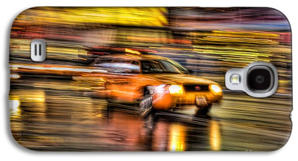Nyc Rain Galaxy S4 Cases - Times Square Taxi I Galaxy S4 Case by Clarence Holmes
