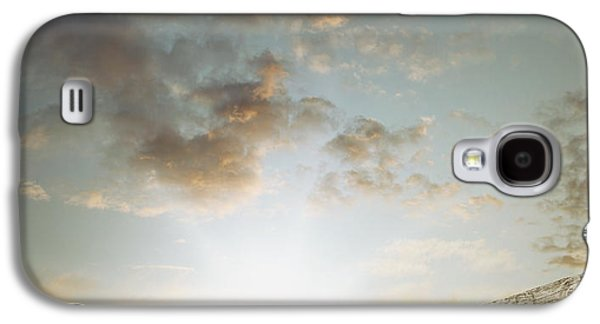 Beach Landscape Galaxy S4 Cases - To the beach Galaxy S4 Case by Les Cunliffe