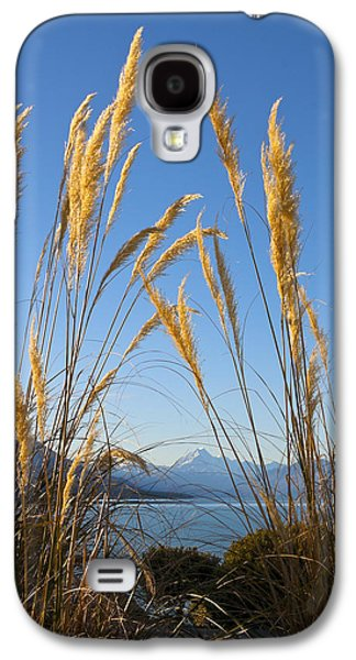 Aotearoa Galaxy S4 Cases - Toitoi and mountain Galaxy S4 Case by Jenny Setchell