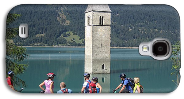 Galaxy S4 Case featuring the photograph Tower In The Lake by Travel Pics
