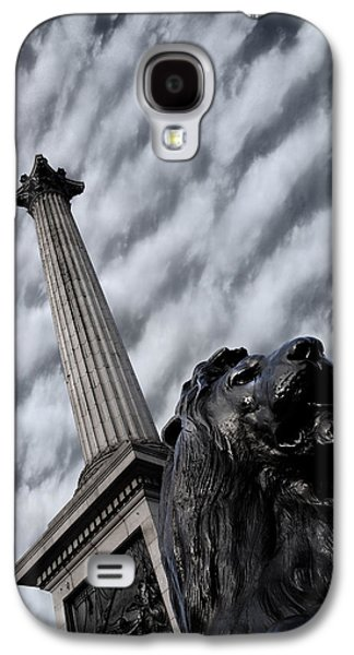 Landscapes Photographs Galaxy S4 Cases - Trafalgar Square London Galaxy S4 Case by Mark Rogan