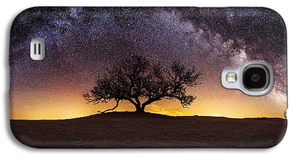 Light Photographs Galaxy S4 Cases - Tree of Wisdom Galaxy S4 Case by Aaron J Groen