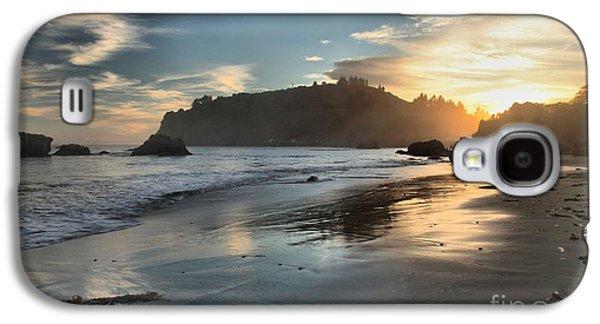 Foggy Beach Galaxy S4 Cases - Trinidad Beach Reflections Galaxy S4 Case by Adam Jewell
