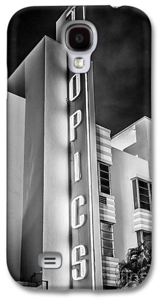 Miami Photographs Galaxy S4 Cases - Tropics Hotel Art Deco District SOBE MiamI - Black and White Galaxy S4 Case by Ian Monk