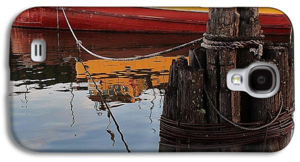 Contemplative Photographs Galaxy S4 Cases - Tug I Galaxy S4 Case by Paul Berish