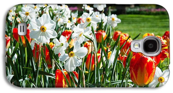 Garden Scene Galaxy S4 Cases - Tulips And Other Flowers At Sherwood Galaxy S4 Case by Panoramic Images