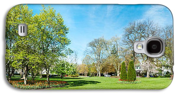 Garden Scene Galaxy S4 Cases - Tulips With Trees At Sherwood Gardens Galaxy S4 Case by Panoramic Images