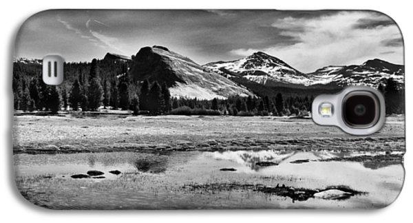 Cloudy Day Galaxy S4 Cases - Tuolumne Meadows and Lembert Dome Galaxy S4 Case by Cat Connor