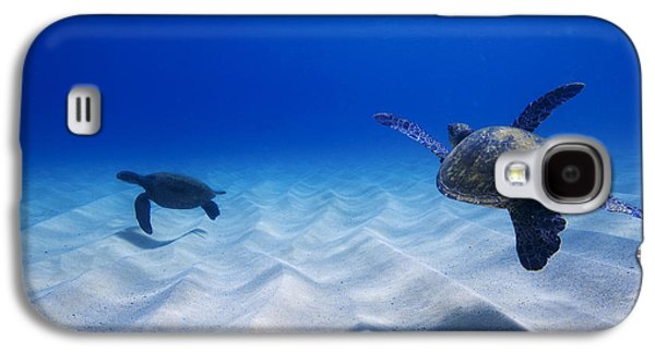 Under Water. Nature Galaxy S4 Cases - Turtle Pair Galaxy S4 Case by Sean Davey