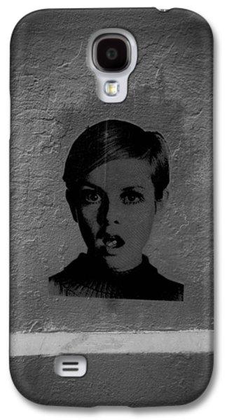Twiggy Galaxy S4 Cases - Twiggy Street Art Galaxy S4 Case by Louis Maistros