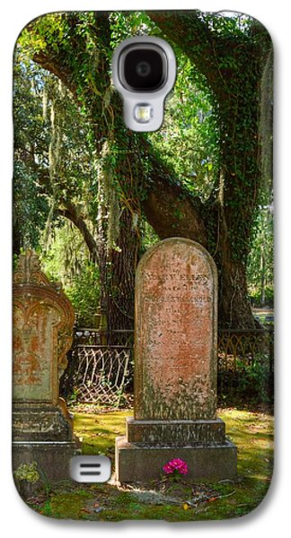 Iron Sculptures Galaxy S4 Cases - Twin headstones Galaxy S4 Case by Linda Covino