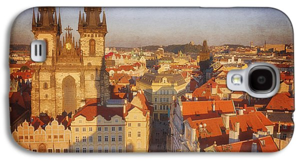 Town Square Galaxy S4 Cases - Tyn Church Old Town Square Galaxy S4 Case by Joan Carroll