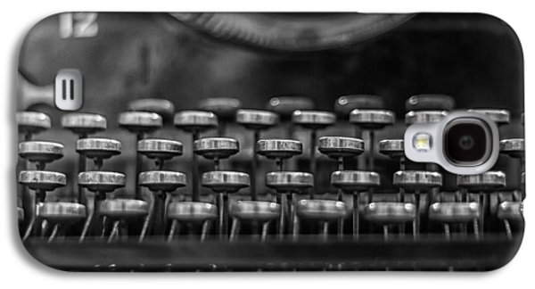 Typewriter Keys Photographs Galaxy S4 Cases - Typewriter Keys in Black and White Galaxy S4 Case by Nomad Art And  Design