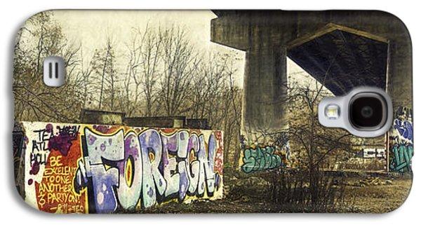 Urban Photographs Galaxy S4 Cases - Under the Locust Street Bridge Galaxy S4 Case by Scott Norris