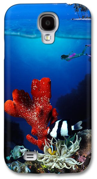 Humbug Galaxy S4 Cases - Underwater View Of Sea Anemone Galaxy S4 Case by Panoramic Images