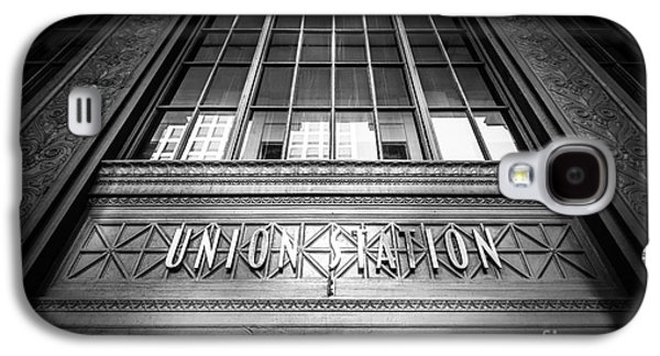Terminal Photographs Galaxy S4 Cases - Union Station Chicago in Black and White Galaxy S4 Case by Paul Velgos