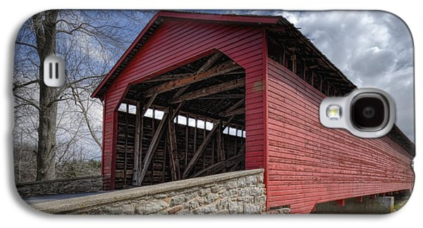 Landmarks Photographs Galaxy S4 Cases - Utica Mills Covered Bridge Galaxy S4 Case by Joan Carroll