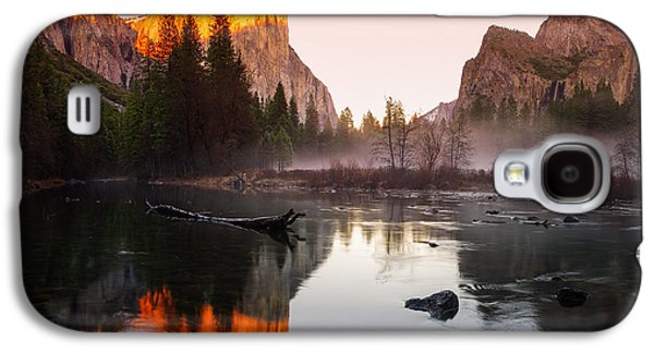 Cathedral Rock Galaxy S4 Cases - Valley View winter sunset Yosemite National Park Galaxy S4 Case by Scott McGuire