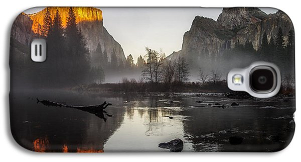 Cathedral Rock Galaxy S4 Cases - Valley View Yosemite National Park Winterscape Sunset Galaxy S4 Case by Scott McGuire