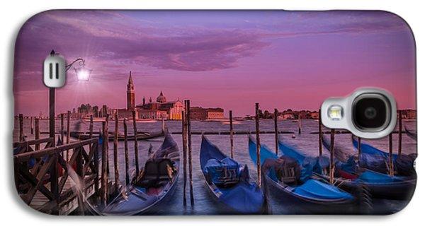 Ancient Galaxy S4 Cases - VENICE Gondolas at Sunset Galaxy S4 Case by Melanie Viola