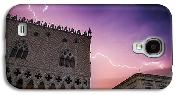 Ancient Galaxy S4 Cases - VENICE Thunderstorm over Doges Palace Galaxy S4 Case by Melanie Viola