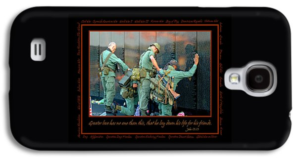 United Photographs Galaxy S4 Cases - Veterans at Vietnam Wall Galaxy S4 Case by Carolyn Marshall