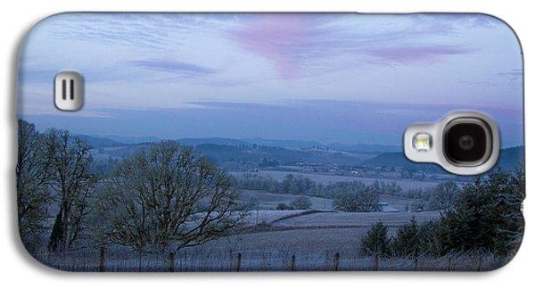 Vintner Galaxy S4 Cases - Vineyard morning light Galaxy S4 Case by Jean Noren