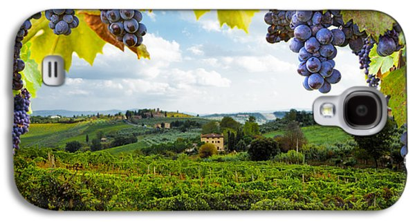 Vineyards In San Gimignano Italy Galaxy S4 Case by Susan Schmitz