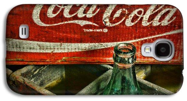 Quaint Photographs Galaxy S4 Cases - Vintage Coca-Cola Galaxy S4 Case by Paul Ward